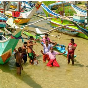 Veselí rybáři