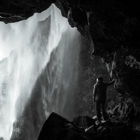 Pod vodopádem