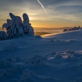 Noc ustupuje dňu (východ slnka na Kľaku)