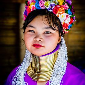 Dívka z kmene Kayan Lahwi