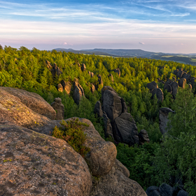 Podvečer na Broumovských skalách