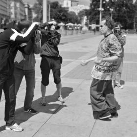V zajetí fotografů