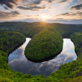 Jarní údolí Vltavy