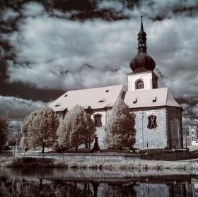 kostel Erpužice