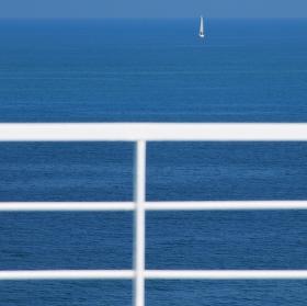 v modravých dálkách