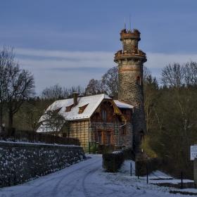 Strážní věž nad přehradou