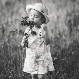 Nevoní jen kytky