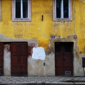 Starý dům v lázeňské čtvrti Teplice