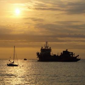 Severní moře,u pobřeží Ijmuidenu.