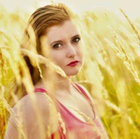 Západovka v trávě