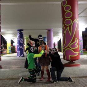 Noc, čas, kdy monstra vycházejí do ulic!