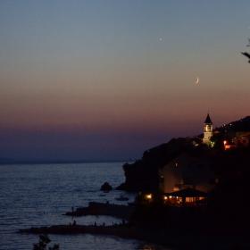Západ slunce, měsíc a hvězda - Pisak