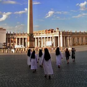 Holky z Vatikánu