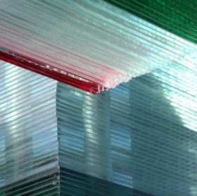 sklo a světlo