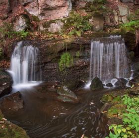 Odlezké vodopády