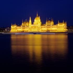 Parlament v Budapešti - Országház - Noční pohled