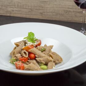 Pasta integrale con tonno - Celozrnné těstoviny s tuňákem