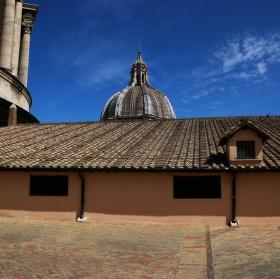 Na střeše baziliky sv. Petra