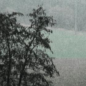 A ten sníh tam venku padá .....
