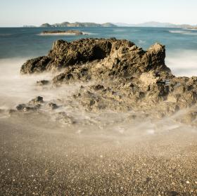 Skaliska v moři