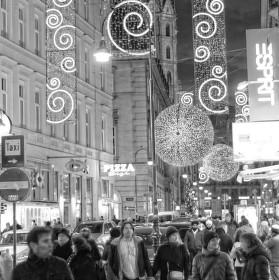 Noční ulice vanoční Vídně