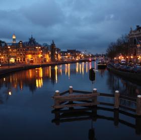Večer na kanále v Haarlemu (NL)