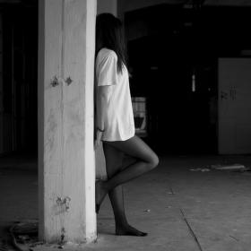 V depresi.