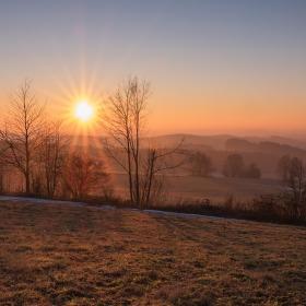 Slunce budiž pochváleno
