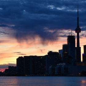 Toronto po západu slunce