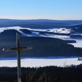 Pohled na zamrzlou přehradu Cranzahl