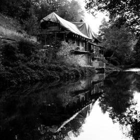 Na břehu řeky...