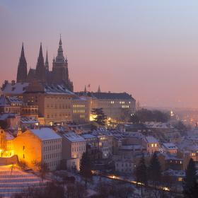 Mrazivé ráno nad Prahou