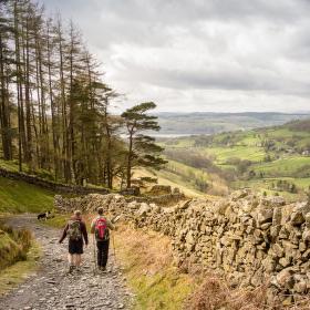 Jaro v Lake District, hrabství Lancashire, UK
