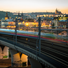 Rychlík jede do Prahy