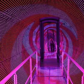 Tunel, jménem Čas.