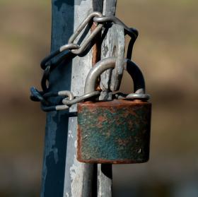 Zamčená branka
