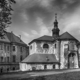 ... kostel Nanebevzetí Panny Marie