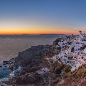 Oia alias řecké Monte Carlo na ostrově Santorini