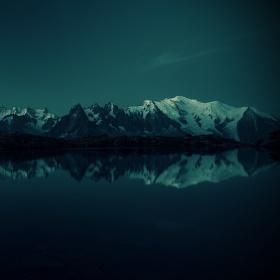 Mont Blanc (4809m) - noční záběr