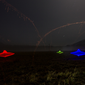 """UFO invaze"""