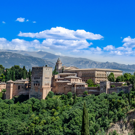 Výhled na pevnost Alhambra