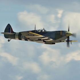 Supermarine Spitfire na aviatické pouti v Pardubicích