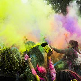 Ve víru barev