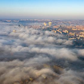 Praha se probouzí