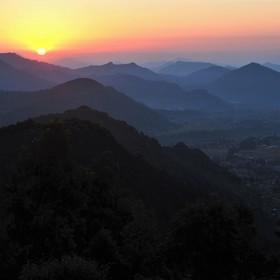 Ráno nad údolím