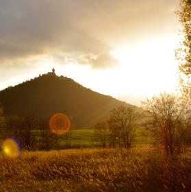 Západ slunce za Hněvínem