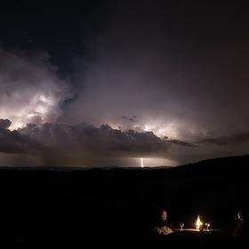 Romantika v bouřce.