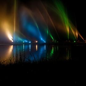 voda světlem barvená