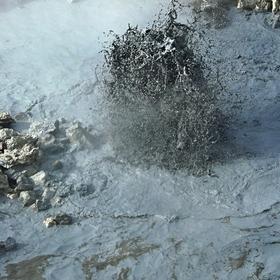 explodující bahno