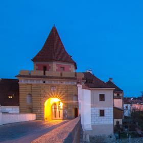 pohled na zámek ještě před setměním